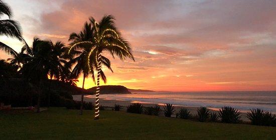 Las Alamandas Resort: Probably the best sunrise I have ever seen!