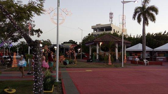 Dias D'Avila: Natal na Praça ACM