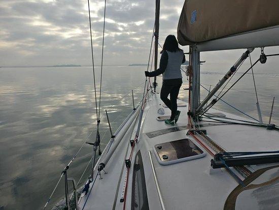 Vannes, France: Malgré l'absence de vent, la journée sur l'eau fut parfaite.