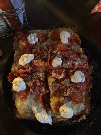 Brown Dog Pizza, Telluride - Menu, Prices & Restaurant