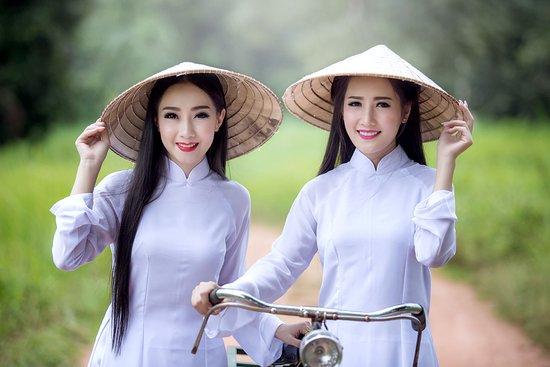 Sampan - Boat trip in Ha Long Bay - Vietnam - Picture of Top Vietnam