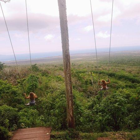 Santa Cruz, Ecuador: Columpio Magico