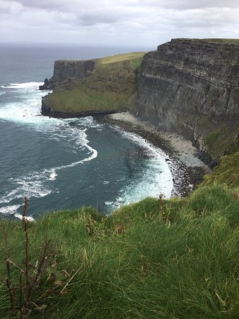 Cliffs of Moher: View from the right cliffs