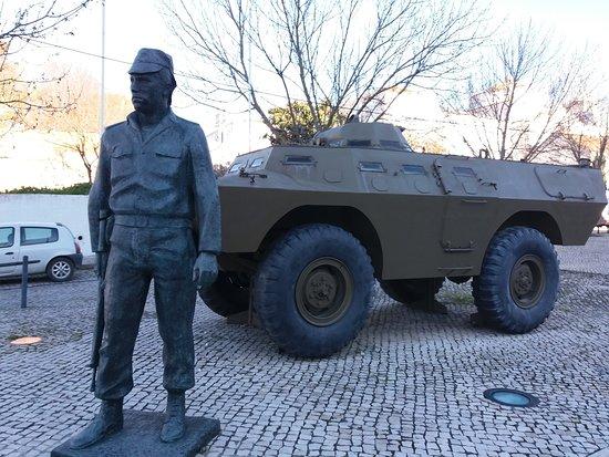 Estatua em Homenagem a Salgueiro Maia