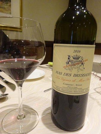 美味しくて思わずワイン。