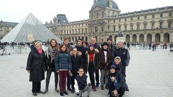 Nous attendions en famille l'heure du RV pour nous rendre au Jardin du Palais Royal pour commencer le jeu