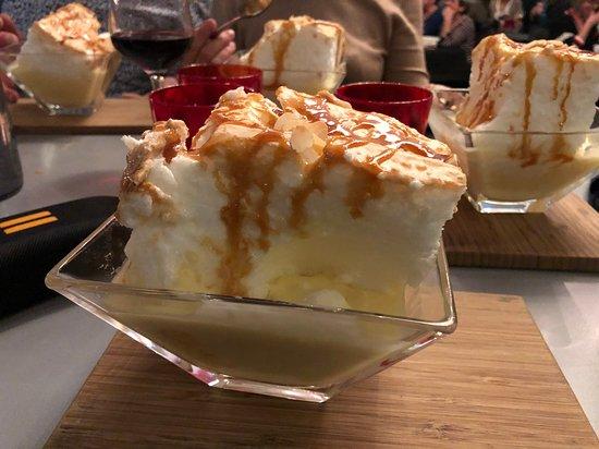 Ruaudin, Francia: ÎLE fol-tante un excellent dessert un peu petite je rigole.