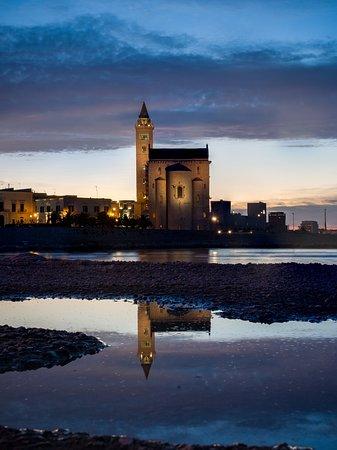 Cattedrale di Trani: Trani - La Cattedrale dal Faro Rosso
