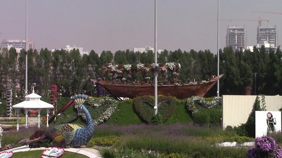 Dubai Miracle Garden: spettacolari composizioni fiorite