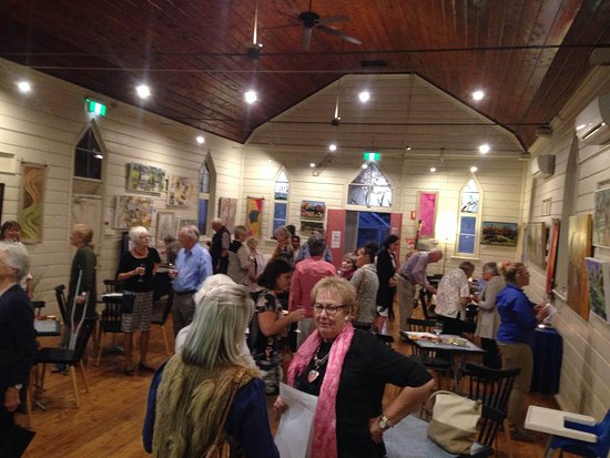 Warren, Australia: Opening of an art exhibition in the Kookaburra Cafe. New exhibitions open every 6 weeks approximately.