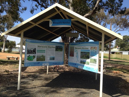 Warren, Australia: One of the soon to be 8 information shelters in the grounds of the Window on the Wetlands Centre, and Kookaburra Cafe