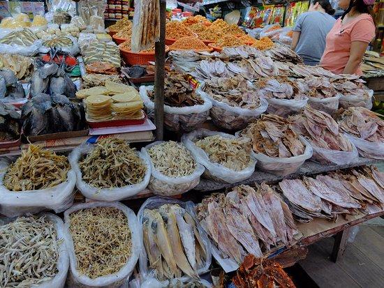 Ha Tien, Vietnã: 乾物屋