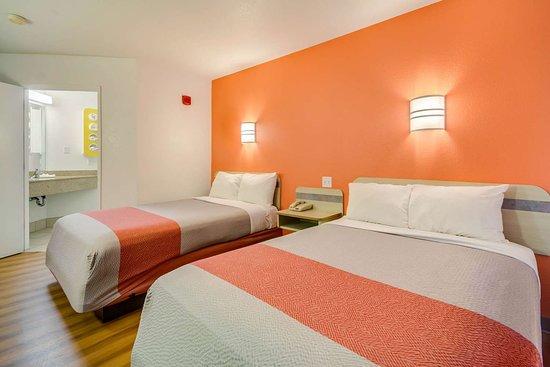 Motel 6 Lemoore: M Double