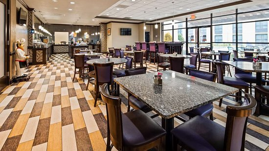 Best Western Plus Dallas Hotel & Conference Center: Breakfast Area