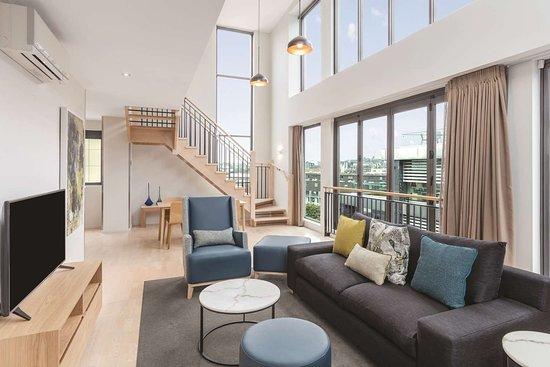 Adina Apartment Hotel Auckland Britomart: adina apartment hotel auckland three bedroom premier apartment lounge room