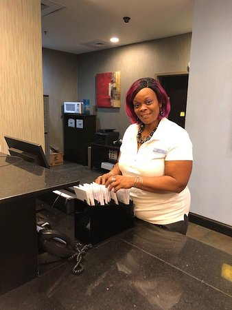 Rockingham, Carolina do Norte: Front desk - Ms. Gigi goes above and beyond to make your stay wonderful.