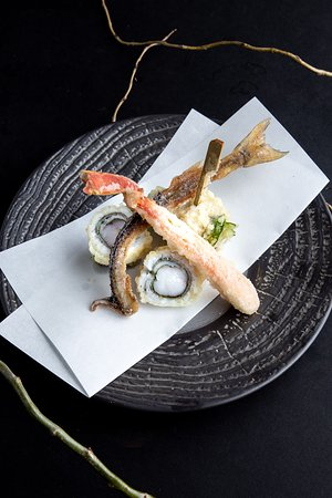 Seasonal Tempura: Snow Crab, Smelt, Jumbo Prawn with Shiso Leaf