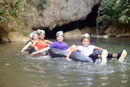 UNIQUE CAVE TUBING Expedition ved Ian...
