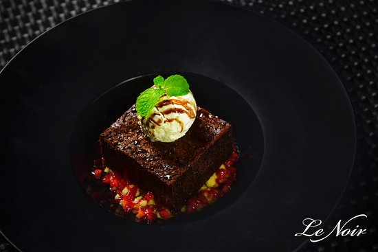 Le Noir KL: Chocolate Brownie