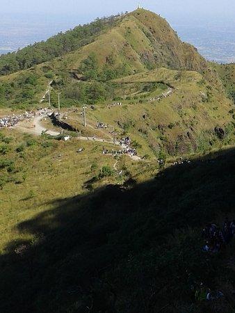 Popa, Myanmar: 포바산 정경