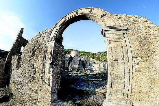 Ruderi del Castello di Cleto