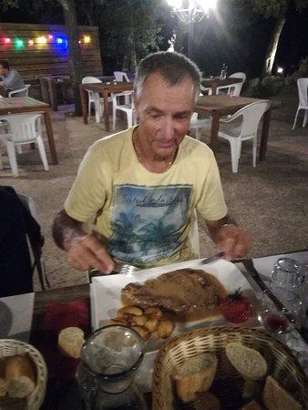Conca, France: Enorme steak pour mon papa !