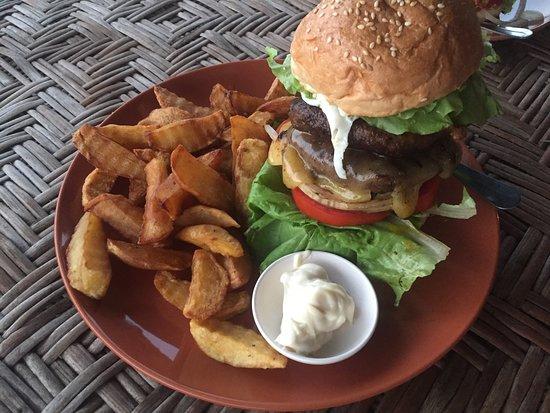Don Det, Laos: Beastie Burger & Fries