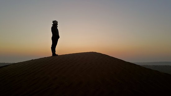 Die Milliarden Sterne Erfahrung in der Wüste: Sunset