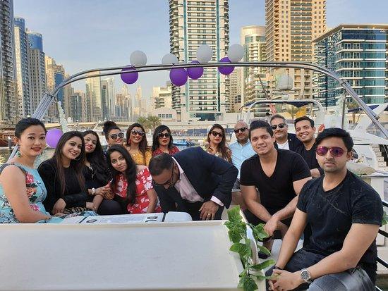 Easy Yacht: Arpita's birthday bash an amazing yacht party