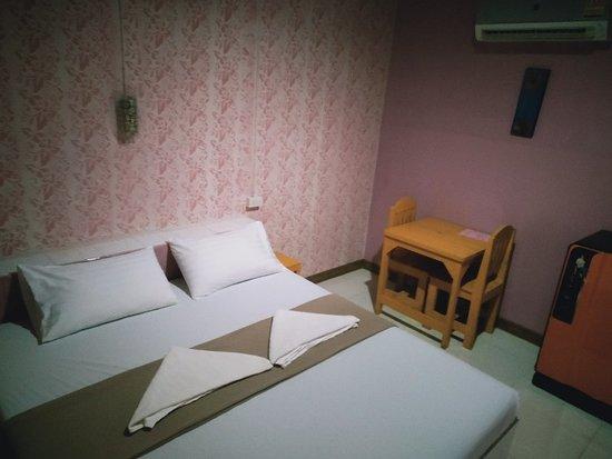 Prakhon Chai, Thailand: ห้องพักเตียงเดี่ยว ราคา 400/คืน