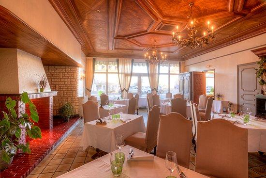 Juvigny-sous-Andaine, Francia: Salle de Restaurant