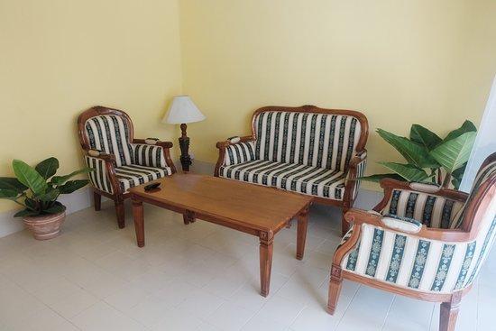 Bangsaen, تايلاند: ห้องนั่งเล่น living room