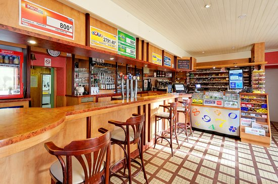 Ploerdut, France: bar, tabac, restaurant, fdj, presse