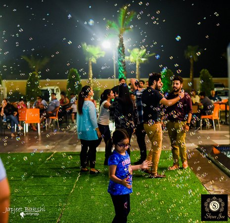 Murthal, Inde : live singing and dance