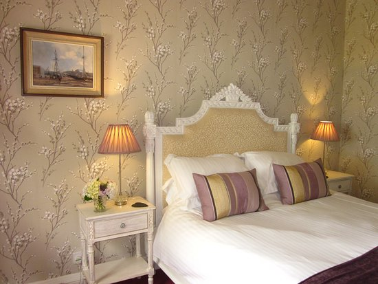 Gunnislake, UK: The Dartmoor Room with stunning views over the Tamar Valley - a full moon coming over the Dartmoor National Park horizon is spectacular.