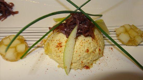 Beaulieu-sur-Loire, France: Royale de foie gras, quenelles de confit d'oignons, gelée de pommes vertes