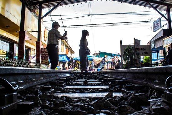 Maeklong Railway Market (Talad Rom Hub) 사진