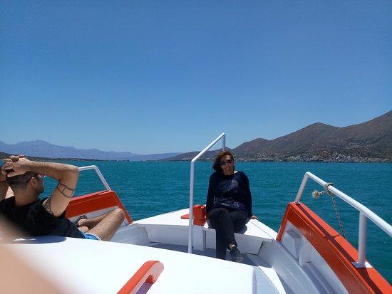 Rofos Boat: Ekipa łodzi