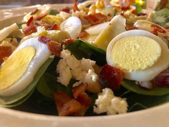 Henniker, NH: Mediterranean Salad
