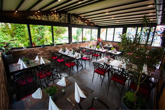 """Restaurant Schleifmühle Bacchus """"Terrasse"""" im geschlossenen Zustand"""