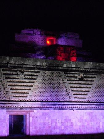 Uxmal, Meksika: Si de ruinas se trata, para mi estas son las mejores en México.