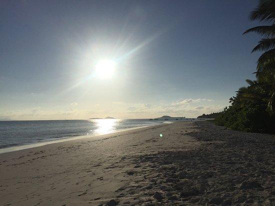 Los anocheceres son preciosos en esta playa