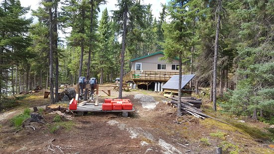 Ear Falls, Kanada: Cabin we stayed at.  View from one of the shorelines.