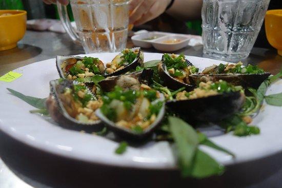 Saigon Adventure: sooo much delicious food