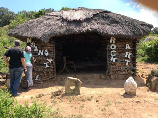 Piggs Peak, Eswatini (Swaziland): Reception of the rock paintings .