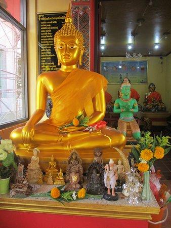Statue dans le temple
