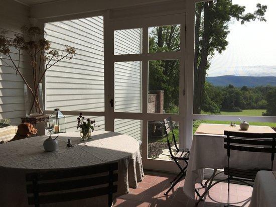 Richmond, MA: Breakfast room -- peaceful