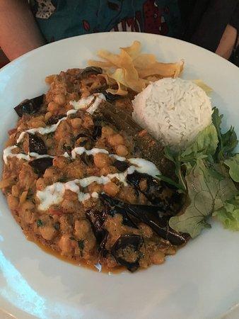 Rajpoot Restaurant: Chickpea and aubergine curry