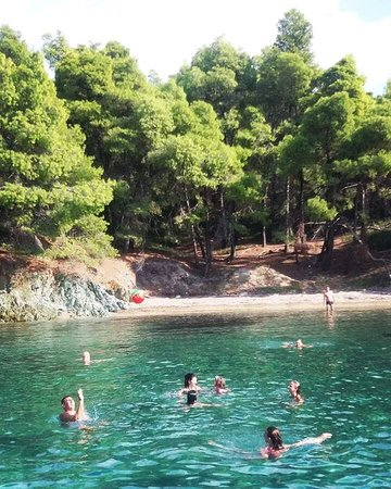 Neos Marmaras, Grecia: Great beaches, blue lagoons with crystal water are all over around of the peninsula of Halkidiki. Play your favorite game and explore places with wild beauty!!!