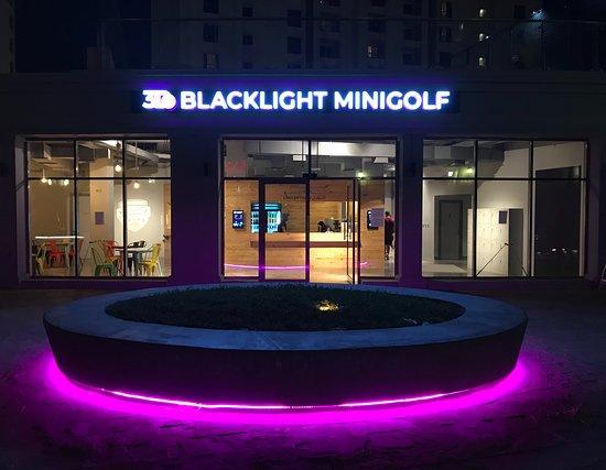 3D Blacklight Minigolf Dubai(o)